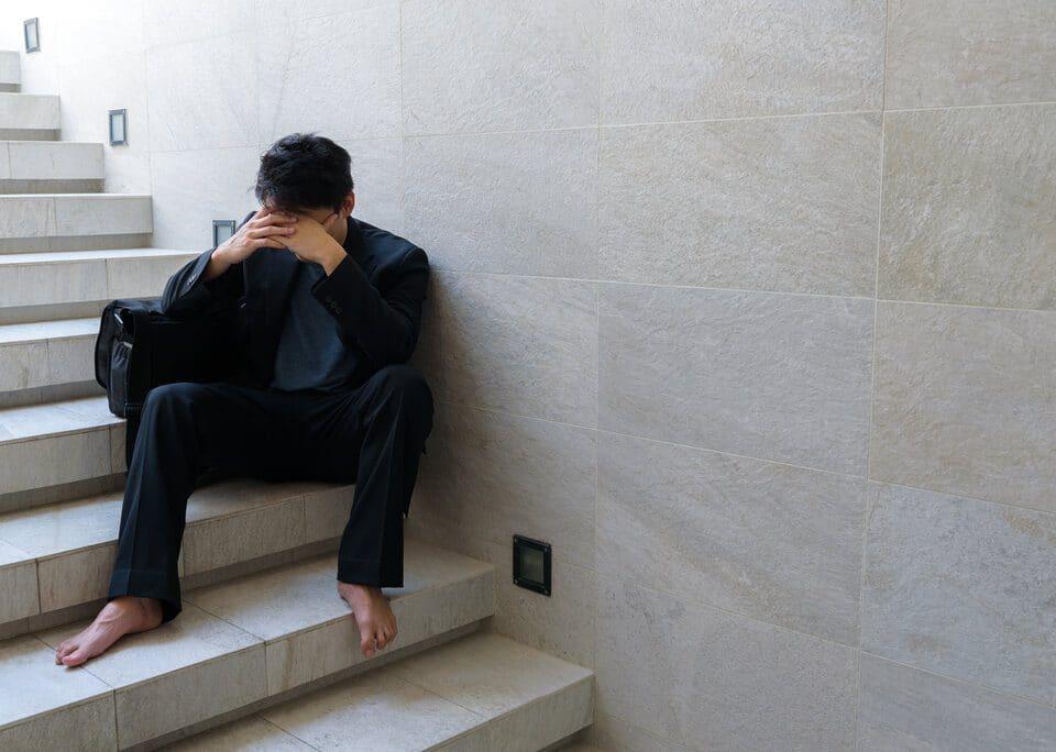 titelbild-schluessel-verloren-berlin-trauriger-mann